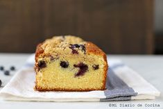 Queque de arándanos simple Viria, Muffin, Breakfast, Food, Skewers, Desserts, Healthy Recipes, Morning Coffee, Muffins