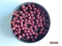Bibimoni Receptjei: Rumos meggyes gesztenyetorta Beans, Vegetables, Food, Vegetable Recipes, Eten, Veggie Food, Prayers, Meals, Beans Recipes