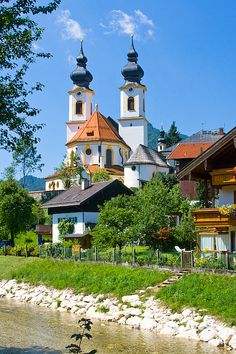 Aschau (Bayern) is along the Lake Constance to Lake Konigssee Cycle route across southern Germany.