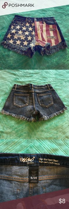 """EUC High Rise American Flag Denim Shorts High rise denim shorts with American flag print - 4 functional pockets - fits a size 6 or 28"""" waist - barely worn and in excellent condition Mossimo Supply Co. Shorts Jean Shorts"""