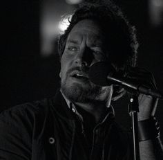 Eddie Vedder, the man. And look at those yummie front teeth...