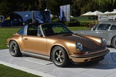 Singer offers first look at reimagined Porsche 911 Targa in the US