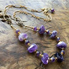 Collier améthystes, collier mi - long Bohémien, violet, bronze antique de la boutique lecoupdegrace sur Etsy