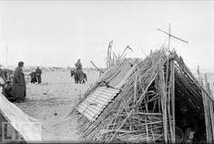 Cobijo de los españoles republicanos en el campo de concentración francés de Argelés-sur-Mer (1939).