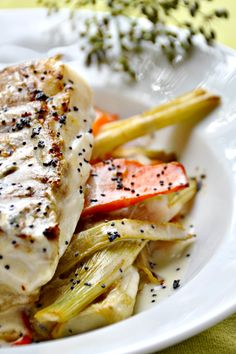 Pavés cabillaud fenouil carottes zoom Zoom, How To Cook Fish, Seafood Recipes, Ww Recipes, Cooking Recipes, Everyday Food, French Appetizers, Sauce Citron, Demi Glace
