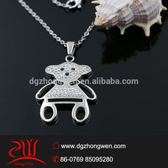 Fashion jewelry design charming crystal bear doll pendant for girl