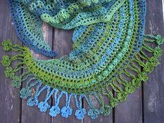Ravelry: Mezzaluna (Crescent Moon) Wrap pattern by Nancy P. free crochet pattern.