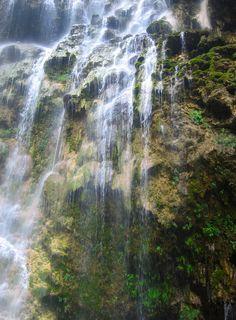¡Las #GrutasDeTolantongo un sitio lleno de diversión y tranquilidad, donde la naturaleza converge para brindarte un día repleto de aventuras!  http://www.bestday.com.mx/Vuelos/VivaAerobus/