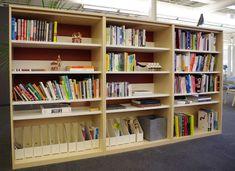 本棚にゆとりを持って本を並べてオブジェを置く|case study shop nagoya Blog