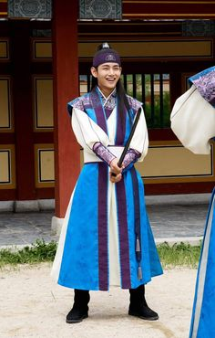 Taehyung ❤ Hansung in Hwarang Photo! Hwarang Taehyung, Taehyung Smile, Jimin, Bts Bangtan Boy, Bts Stage, K Pop, V Hwarang, V Smile, Bts Kim