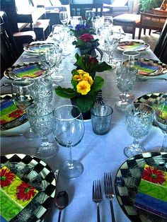 Spring Primrose Tabletop with paper napkins from www.reluctantentertainer.com