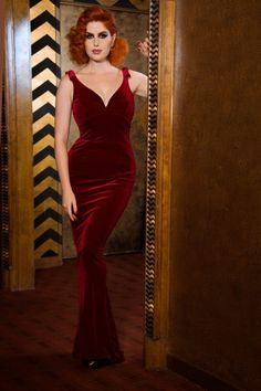 Pinup Couture Gilda Red Velvet Gown 108 20 17243 6