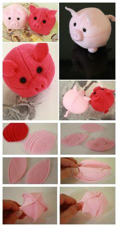 Mach aus ovalen Formen wie hier gezeigt kleine Filzbällchen. Gib den Bällchen danach verschiedene Extras, um ein Tier wie zum Beispiel ein Schweinchen zu bekommen.
