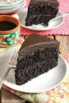 Nanny's Black Midnight Cake Dark Chocolate Cakes, Homemade Chocolate, Chocolate Desserts, Chocolate Ganache, Chocolate Cheesecake, Chocolate Dipped, Food Cakes, Cupcake Cakes, Cupcakes