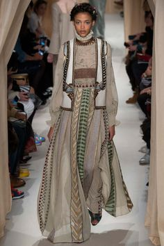 Valentino - Spring/Summer 2015 Ready-To-Wear