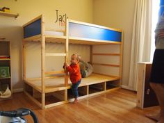 Cool IKEA Kura Beds Ideas For Your Kids' Rooms IKEA Kura bed is a great loft bed, it is recommended for 6 years and older. Slatted bed base is include Bunk Bed With Desk, Bunk Beds With Stairs, Kids Bunk Beds, Cama Ikea Kura, Ikea Mydal, Ikea Bunk Bed Hack, Kura Hack, Diy Storage Bed, Storage Drawers