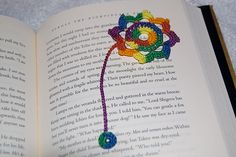 Octagonal flower bookmark free crochet pattern
