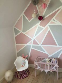inspiring geometric wall paint ideas for your modern home page 6 Decor Room, Diy Home Decor, Bedroom Decor, Wall Decor, Geometric Wall Paint, Geometric Decor, Geometric Designs, Girl Bedroom Walls, Girl Room