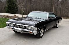 The Chevy Impala 1967 is the most popular muscle cars in world. Classic cars Dubai such as the Impala has a certain charm & value that can't be neglected. Chevrolet Impala 1967, Chevy Chevelle, Black Chevy Impala, Impala 67, My Dream Car, Dream Cars, Automobile, Old Muscle Cars, Ford