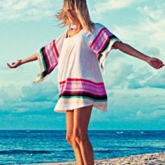 Roxy beach blanket cover up tunic Super cute! Only worn a couple times. Great condition Roxy Tops Tunics