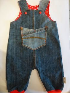 Kinderhose aus alter Jeans / Children's pants made from old pair of jeans…