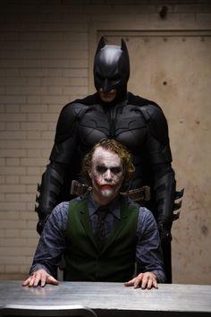 Heath Ledger as The Joker and Christian Bale as Batman in The Dark Knight. Joker Heath, Joker Batman, Foto Batman, Der Joker, Batman Dark, Superman, Real Batman, Batman Stuff, Batman Robin