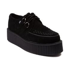 Stand apart from the crowd by wearing creepers shoes creepers shoes womens t. Neo Grunge, Soft Grunge, Suede Creepers, Platform Creepers, Platform Shoes, Creepers Shoes Outfit, Black Creepers, Goth Shoes, Women's Shoes