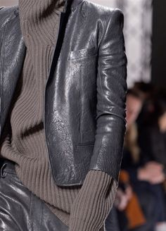 Haider Ackermann at Paris Fashion Week Fall 2013 - Details Runway Photos Fashion Details, Love Fashion, Fashion Outfits, Womens Fashion, Fashion Design, Fashion Trends, Looks Style, Style Me, Mode Alternative