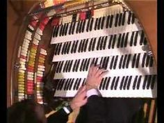 "Jelani Eddington plays ""Over The Rainbow"" on Wurlitzer organ"