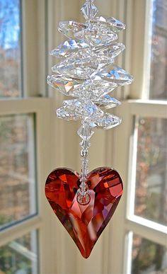 Suncatcher de corazón de cristal Swarovski 37mm rojo Magma