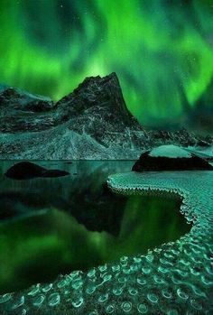 ... I really want to see the northern lights
