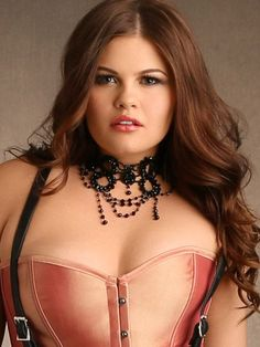 Victorian Jeweled Choker From The Plus Size Fashion Community At www.VintageAndCurvy.com