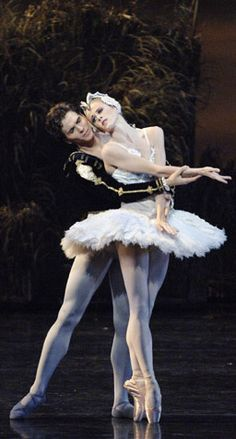 Doomed in love: Siegfried and Odette. Heather Ogden and Guillaume Côté. Photo by David Cooper.