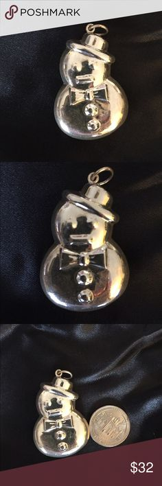 ⛄️❄️Sterling Silver Snowman Pendant ☃️❄️ cute little snowman was in old pawn jewelry lot i obtained. he is not marked silver but he is. has a tiny little dent on bottom as pictured. About 1 1/2 inches tall. No lowball offers will be accepted. Jewelry Necklaces