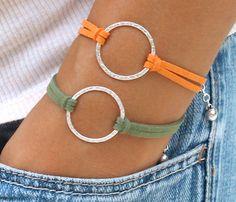 Silver INFINITY Circle Charm Bracelet - Extension Chain w/ Dangle - Infinity Symbol Bracelet - Pick symbol Diy Leather Bracelet, Leather Jewelry, Cute Bracelets, Beaded Bracelets, Charm Bracelets, Bracelet Making, Jewelry Making, Diy Mode, Bracelet Crafts