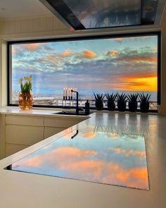 """5,793 """"Μου αρέσει!"""", 147 σχόλια - Merete Jæger (@interiormerete) στο Instagram: """"A colorful day in the kitchen🎨😍 • • • • #colorful #color #kitcheninspo #window #kjøkken"""" David Laroche, Kitchen Decor, Windows, Fall, Outdoor Decor, Instagram, Home Decor, Profile, Colorful"""