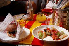 Bar Favela Töölössä Mechelininkatu 13 edullinen eteläamerikkalainen Favelan leipä 6 e, jazz fun dining ravintolat ethnic restaurant Helsinki