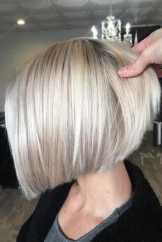 Cute Blonde Bob For Round Faces #blondehair #bobhairstyles  ★  Short hairstyles for round faces are in trend! If you have blonde hair and a round face, check out these 40 hairstyle ideas. #glaminati #lifestyle #shorthairstylesforroundfaces