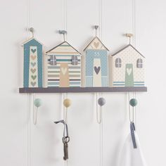 Gisela Graham Beach Hut Coat Hooks - - A great range of Nautical gifts and homewares from The Contemporary Home Online Shop Seaside Theme, Seaside Decor, Coastal Decor, Diy Home Decor, Seaside Bathroom, Nautical Bathrooms, Beach Bathrooms, Bathroom Kids, Beach Design