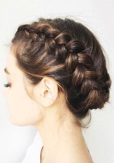 French braid hairstyles have been the age-old coiffure. Little women adore it, youngsters discover it stylish, and plenty of grownup girls can nonetheless pull the braid coiffure off. On this article, Braided Hairstyles For Wedding, Braids For Short Hair, Box Braids Hairstyles, Hairstyle Ideas, Bridal Hairstyle, Updo Hairstyle, Braid Wedding Updo, Hairstyles Haircuts, Braids For Wedding