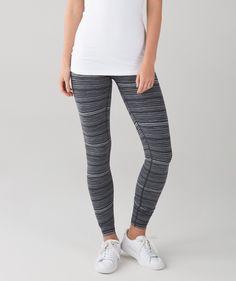 353048a8d Cyber stripe deep coal black wunder under pant III size 6 Athletic Wear