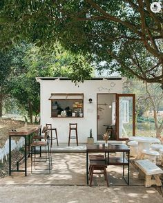 Cafe Shop Design, Small Cafe Design, Restaurant Interior Design, Shop Interior Design, Outdoor Restaurant Design, Cafe Restaurant, Modern Restaurant, Cafe Bar, Design Furniture
