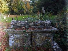 Cotswold Walks: Autumn in the Cotswolds at St Nicholas church, Oddington