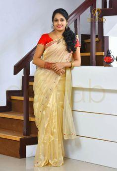 Beautiful Girl Indian, Beautiful Saree, Beautiful Indian Actress, Beautiful Women, Indian Natural Beauty, Indian Beauty Saree, Plus Size Posing, Grace Beauty, Photography Poses Women