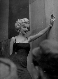 Soldier's snapshot of Marilyn Monroe visiting the troops in Korea, … A U. Soldier's snapshot of Marilyn Monroe visiting the troops in Korea, …,fashion icons A U. Soldier's snapshot of. Hollywood Glamour, Classic Hollywood, Old Hollywood, Hollywood Actresses, Fotos Marilyn Monroe, Marilyn Manson, Hally Berry, Photos Rares, Cinema Tv