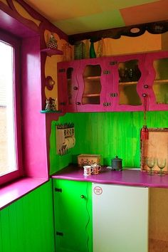 Pink and green Interior Paint, Interior And Exterior, Interior Decorating, Decorating Ideas, Decor Ideas, Room Colors, House Colors, Painting Oak Cabinets, Mexican Kitchens