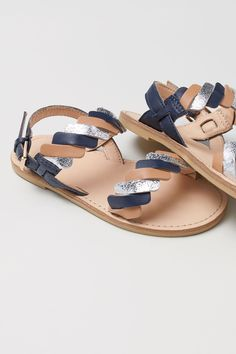 Braided leather sandals with an adjustable heel strap with concealed elastication and a metal buckle. Leather insoles and rubber soles. Cute Baby Shoes, Baby Girl Shoes, Girls Shoes, Shoe Size Chart Kids, Dressy Shoes, H&m Shoes, Slingback Sandal, Toddler Shoes, Braided Leather