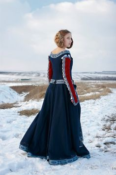 "Medieval Woolen ""Red Sleeves"" Dress - medieval clothing renaissance costume"