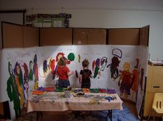 Self Portrait mural Great idea for exploration of self! I love the idea of a large stand-up mural to paint in the classroom or even out on the play yard!