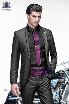 Traje de moda italiano a medida negro con raya doble gris en tejido New Performance, modelo 1104 Ottavio Nuccio Gala colección Emotion 2015.